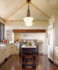 30++Stunning+Designer+Kitchen+Islands  - ELLEDecor.com