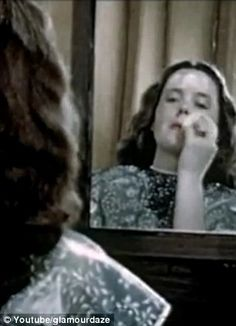 Less was not more in the 1940s! Hilarious retro make-up tutorial on how to apply vanishing powder and rouge