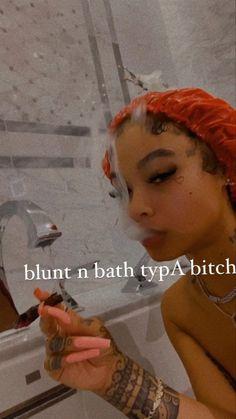 Girl Smoking, Smoking Weed, Thug Girl, Bad Girl Wallpaper, Gangster Girl, Babe, Puff And Pass, Tattoo Girls, Curls