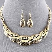 Gold Metal Vine Black Inset Necklace Set Elegant Fashion Jewelry