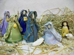 Deposit++Nativity++8+pc+Porcelain+++Made+to+by+SuzannesPotteryFarm: