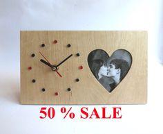 Desk Wooden Heart Clock 50 SALE The clock with heart by OlaDiClock Wooden Clock, Wooden Desk, Laser Cut Mdf, Laser Cutting, Restore Wood, Diy Clock, Concrete Design, Wooden Hearts, Clocks