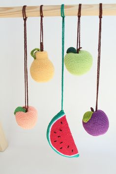 Set of 5 fruits hanging toys, play gym toy, crib toy, crochet rattle, activity center toy, pretend food, baby gym toy, Christmas gift --------------------------------------------------------------------------------------------------------- Our set of 5 hanging fruits is made to entertain your baby and encourage important development skills. Your baby will get so much joy from the sensations, sounds and visual delights these fruits give. The set includes 5 fruits - an apple, a pear, a plum, a…