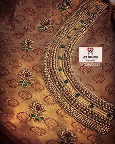 Cutwork Blouse Designs, Wedding Saree Blouse Designs, Fancy Blouse Designs, Hand Embroidery Design Patterns, Flower Embroidery Designs, Aari Embroidery, Embroidery Works, Embroidery Stitches, Hand Work Design