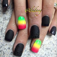 Matte Black with Shiny Black Leopard Rosettes and Shiny Black Tips with Gradient Rasta Nail