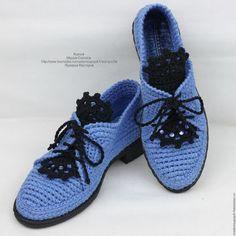 Купить или заказать Туфли льняные вязаные в интернет-магазине на Ярмарке Мастеров. Льняные туфли вязаные... Они такие женственные... Язычок кружевной , со стразами... каблучок устойчивый... Очень удобные , лёгкие. Модель сдержанна, но при этом весьма изыскана. Имеется шнуровка для удобства при высоком подъёме стопы. Модель универсальная, подойдут практически к любому стилю гардероба. Выполнены из льна - цвет 'Гиацинт'. Стелька сменная, выполнена из трёх слоёв натурального материала.