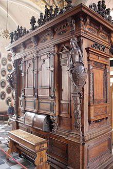 Organi della cappella del castello di Frederiksborg - Con organi della cappella del castello di Frederiksborg ci si riferisce a due strumenti musicali presenti all'interno della cappella del castello di Frederiksborg, in Danimarca.Wikipedia