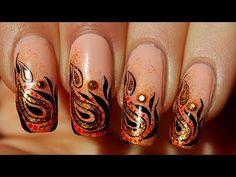 Nail art de détail ethnique