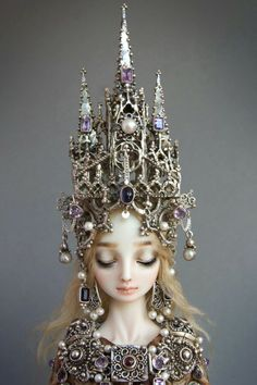 Cathedral headdress