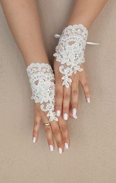 Ivoire de mariage Paire de gants, gants de dentelle ivoire, gants Paire de mitaines, : Mitaines, gants par weddingadornments