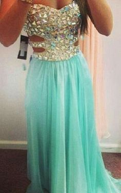 Aqua prom dress  love the bottom