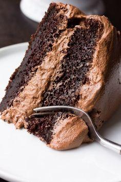 The BEST Vegan Chocolate Cake recipe ever! Super moist and easy to make. The BEST Vegan Chocolate Cake recipe ever! Super moist and easy to make. Dairy Free Chocolate Cake, Best Vegan Chocolate, Chocolate Recipes, Cake Chocolate, Vegetarian Chocolate Cake, Vegetarian Cake, Chocolate Sponge, Chocolate Frosting, Vegan Cake Mix