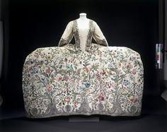 court mantua ca. 1740-1745 via The Victoria & Albert Museum