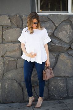 Pregnant Street Style Outfits So Chic Youll Want to Recreate Them Even If Youre Not Expecting Cute Maternity Outfits, Stylish Maternity, Maternity Tops, Maternity Wear, Maternity Dresses, Maternity Fashion, Spring Maternity, Maternity Styles, Maternity Swimwear