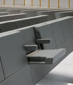 Awesome design for stadium and event seating and room for wheelchairs too More modern & creative product/industrial designs Design Furniture, Chair Design, Cool Furniture, Futuristic Furniture, Smart Design, Creative Design, Table Office, Auditorium Seating, Auditorium Design