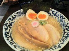 特製らー麺 斑鳩東京駅 Pork and seafood ramen. Honestly the taste is just...okay. I don't recommend this. Shop name Ikaruga placed Tokyo station. 3/10