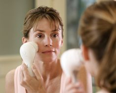 The Clarisonic: Ultimate grooming gadget—or potential skincare hazard? http://beautyeditor.ca/2013/04/19/the-clarisonic-ultimate-grooming-gadget-or-potential-skincare-hazard/