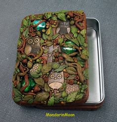 Owl Trinket Box  by MandarinMoon on deviantART.com  This is actually very SIMPLE to do! Using a tin of any size, glass beads/pieces, owl charms and polymer clay bought from the store. Obviously getting to this level would take a lot of practice, but the possibilities are endless and they would be wonderful gifts.