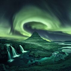 A whole bunch of my aurora photos from Iceland some composites and some single exposures. The northern lights are still one of the most… All Nature, Amazing Nature, Aurora Borealis, Landscape Photography, Nature Photography, Photography Guide, Scenic Photography, Night Photography, Photography Photos