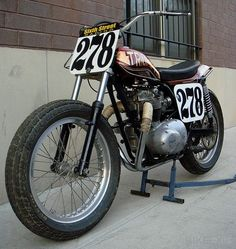 Flat tracker Triumph Champion 500