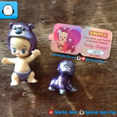These are Twozies they are just like shopkins!!!!!