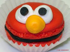 Elmo Macarons