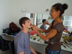 i model Matěj se musel smířit s make-upem