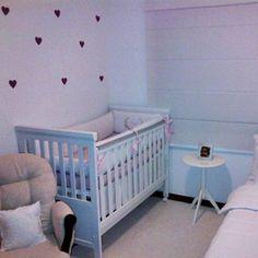 Mais um quarto infantil decorado com adesivos Mode Deco. Obrigada Daniella <3