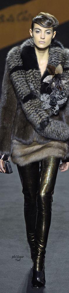 Défilé mode 2016 | mode, luxe, défilé, automne, hiver, 2015, 2016. Plus de news sur http://bocadolobo.com/blog/Categories/boca-do-lobo-news/