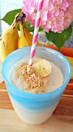 PB2 & Banana Protein Smoothie - *1/2 small frozen banana, *2 tbsps PB2 (or all natural peanut butter/almond butter), *1/2 tsp vanilla extract, *1 tbsp vanilla protein powder, *1 packet stevia, *1/2 cup ice, *1 cup water. •••Nutrition: 145 Calories, 2 g Fat, 17 g Carbs, 3.5 g Fiber, 8 g Sugar, 16 g Protein