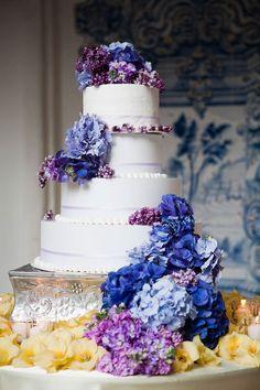 ► Pastel de boda púrpura. #bodas #purpura #morado
