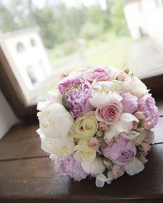 "Páči sa mi to: 58, komentáre: 2 – Amy Klusová - Fotografie 📷📷😊 (@amyklusova) na Instagrame: ""D&A 💏 #kastiel #wedding #in #castle #svadba #svadobnafotografia #amyklusova #fotografie #love…"" Amy, Floral Wreath, Wreaths, Rose, Flowers, Plants, Instagram, Home Decor, Floral Crown"