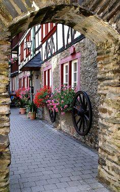 Bacharach,  Mainz-Bingen, Germany | Flickr - Photo by HEN-Magonza