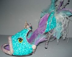 shoe sculpture Fierce Fish by SoleSensations Crazy Shoes, Me Too Shoes, Weird Shoes, Well Designed Websites, Muses Shoes, Designer High Heels, Shoe Crafts, Cartoon Painting, Decorated Shoes