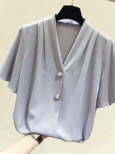 Summer Elegant Vintage Office Ladies Chiffon Korean Women Blouses Casual Plus Size Loose Plain Button Female Fashion Top Shirts Cute Blouses, Blouses For Women, Shirt Blouses, Blouse Styles, Blouse Designs, Sleeves Designs For Dresses, Designer Blouse Patterns, Batik, Simple Shirts
