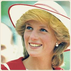 """14 April 1983: On day nineteen of the royal tour to Australia, Princess Diana arrived to Melbourne, where she visited a family home on the Paisley Estate in Altona, accompanied by her husband. During this visit, the royal couple went on one of the most hectic walkabouts, where 200,000 people had packed the Bourke Street Mall, officially opened by Prince Charles, to see them ● #princessdianaforever #englishrose #princessdiana #ladydianaspencer #princessofwales #princecharles #gb #melbourne…"