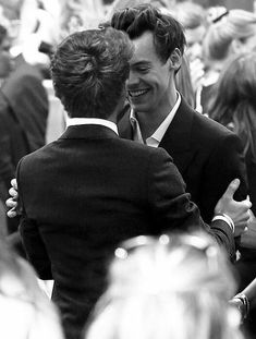 Niall E Harry, One Direction Harry, One Direction Pictures, Direction Quotes, Fanfic Larry Stylinson, Larry Shippers, Fanfic Harry Styles, Harry Edward Styles, Harry Styles Imagines Darcy