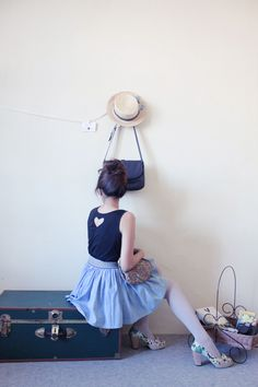 Pick a cute outfit and hairstyle, hang things you like on a imple wall and do poses with yourself or a friend! Modest Outfits, Summer Outfits, Cute Outfits, Spring Fashion, Winter Fashion, Play Dress, Fashion Outfits, Womens Fashion, Playing Dress Up