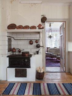Äi den jämtländska sjön Ströms Vattudal - Made In Persbo: oktober 2015 Swedish Kitchen, Rustic Kitchen, Sweden House, La Pedrera, Hygge Home, Scandinavian Home, Interior Styling, Sweet Home, Home Decor