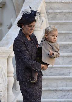 Sacha Casiraghi, surveillé par sa grand-mère la princesse Caroline de Hanovre, assistait avec la...