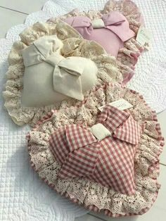 You do things… Valentine Decorations, Valentine Crafts, Valentines, Valentine Heart, Lavender Bags, Lavender Sachets, Manualidades Shabby Chic, Sewing Crafts, Sewing Projects