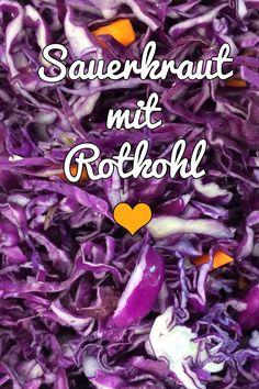 Am bekanntesten ist das klassische Sauerkraut, das mit Weißkohl zubereitet wird. Es kann aber auch Rotkohl oder Spitzkohl verwendet werden. Hier ein Rezept... #Fermentation