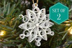 Set di ornamenti a fiocco di neve quilled decorazioni | Etsy Snowflake Decorations, Snowflake Designs, Snowflake Ornaments, Snowflakes, Christmas Decorations, Christmas Ornaments, Beehive Design, Peacock Wall Art, Quilling Art