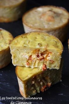 Moelleux de poireaux, coeur qui rit au chorizo Cooking Chef, Cooking Time, Yummy Healthy Snacks, Yummy Food, Healthy Food, Tart Recipes, Appetizer Recipes, Pie Co, Recipe Tin