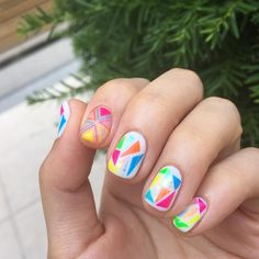 #20160610 #색종이유리네일 💅🏻✂️🔺🔹🔸 #색종이네일#유리네일 #notd#nail #nailart #gelnails #nails #unique #네일 #네일스타그램 #네일아트 #스테인드글라#glassnails