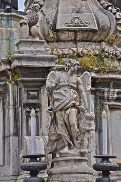 Statue   in #Palermo #Sicily @ James