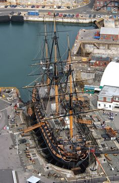 This England — Nelson's Flag Ship HMS Victory Portsmouth Tall Ships, Poder Naval, Old Sailing Ships, Ocean Sailing, Uss Constitution, Hms Victory, Old Boats, Wooden Ship, Yacht Boat