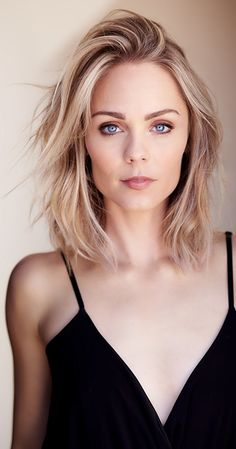 halstonsagerps: Endless list of pictures of the perfect Laura Vandervoort ∞ ) Laura Vandervoort, Smallville, Most Beautiful Faces, Gorgeous Women, Blonde Actresses, Bionic Woman, Elsa Pataky, Kristin Kreuk, Canadian Actresses