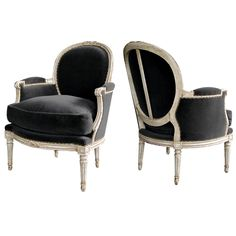 1stdibs | An Elegant Pair of French Louis XVI Style Gray-Painted Oval Back Bergeres