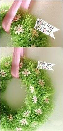 Rock, Paper, Scissors, Craft: WHAAAT!? A Pool Noodle Wreath!?